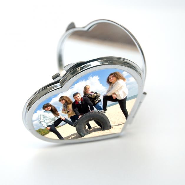 Compact Heart Mirror